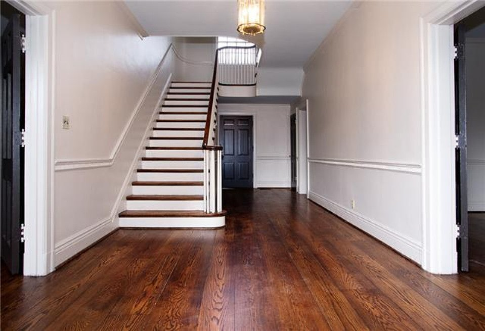 Once the home is in tip-top shape, this entryway will undoubtedly impress guests. Source: Zillow
