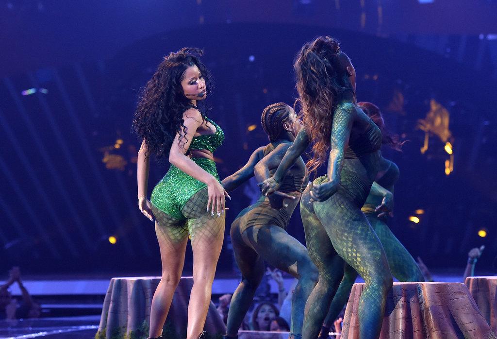 Nicki Minaj Performs Live At 2014 VMA's