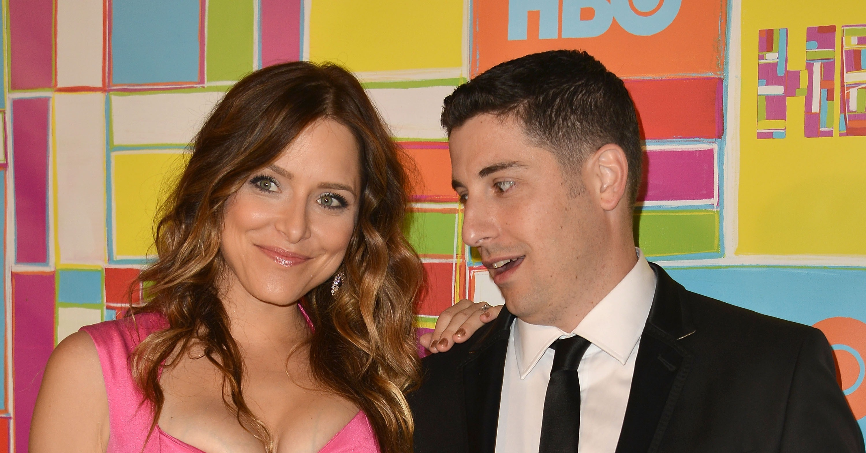 jason biggs couldn t keep his eyes off wife jenny mollen s