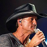 Tim McGraw freaks out daughter's date with a knife