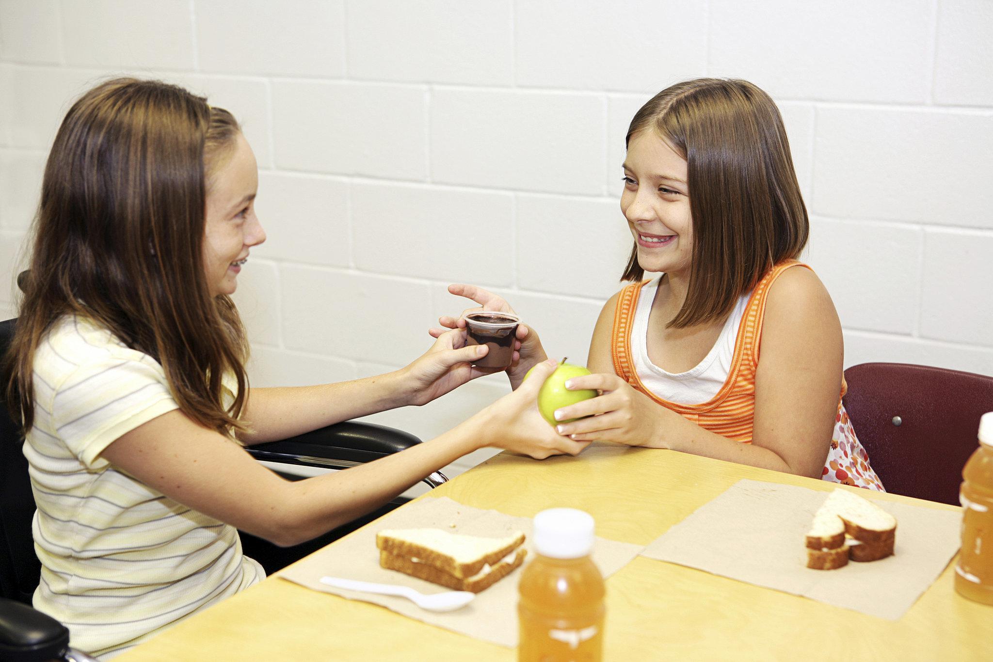 Student Punished For Sharing School Lunch | POPSUGAR Moms