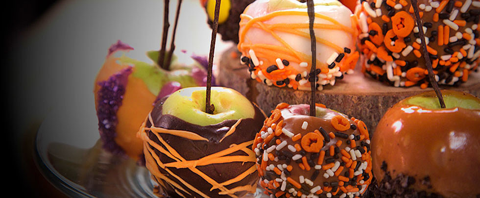 Get Festive This Fall With Homemade Caramel Apples