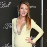 Blake Lively Pregnant Red Carpet Gucc