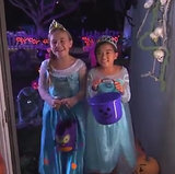 Jimmy Kimmel Prepares For Elsa Halloween Costumes