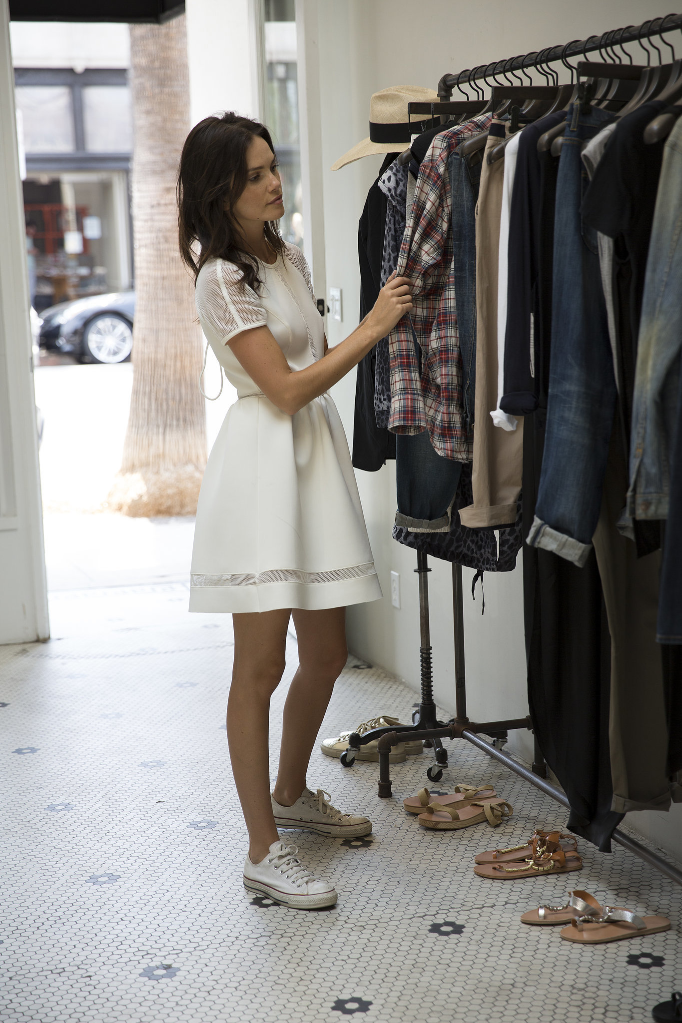 Online clothing stores. Cyber monday clothing stores
