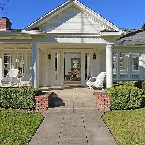 Lena Dunham's LA Home Pictures