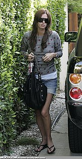 Nicky_Hilton_arrives_home_after_going_to_hair_dresser_001