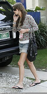 Nicky_Hilton_arrives_home_after_going_to_hair_dresser_004