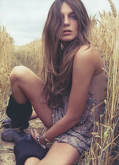 Photo of Daria Werbowy in Vogue Nippon November 2009 Issue