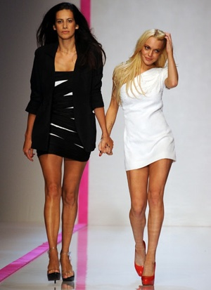 Emanuel Ungaro Calls Lindsay Lohan and Estrella Archs 2010 Spring Collection a Disaster 2009-11-11 10:30:22