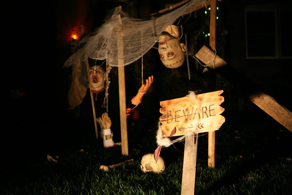 Make a display of zombie body parts hung from twine. Source: Flickr User lauren fiasco