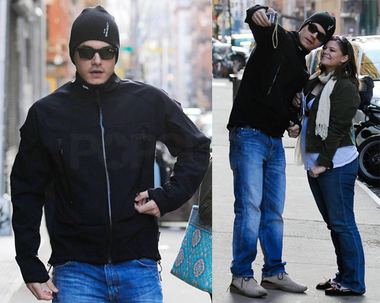 Photos of John Mayer in NYC 2009-11-23 08:50:58