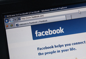 Facebook Changes Privacy Settings
