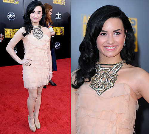 Photos of Demi Lovato at the 2009 American Music Awards