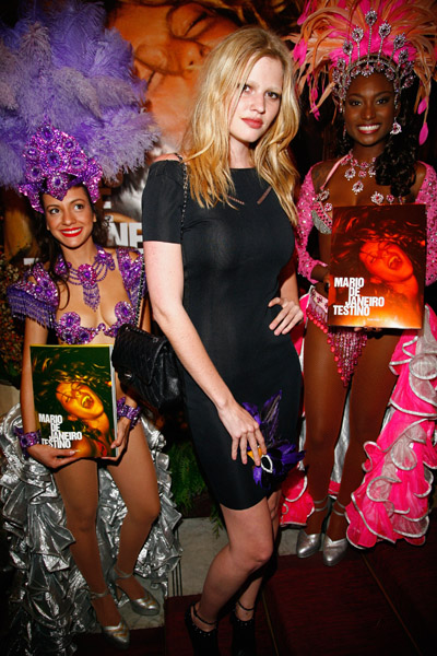 Happy 26th Birthday, Lara Stone!
