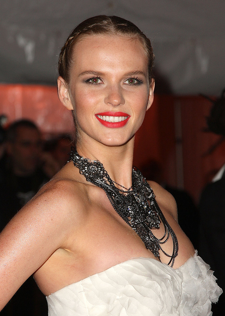 Anne Vyalitsyna in Peter Som