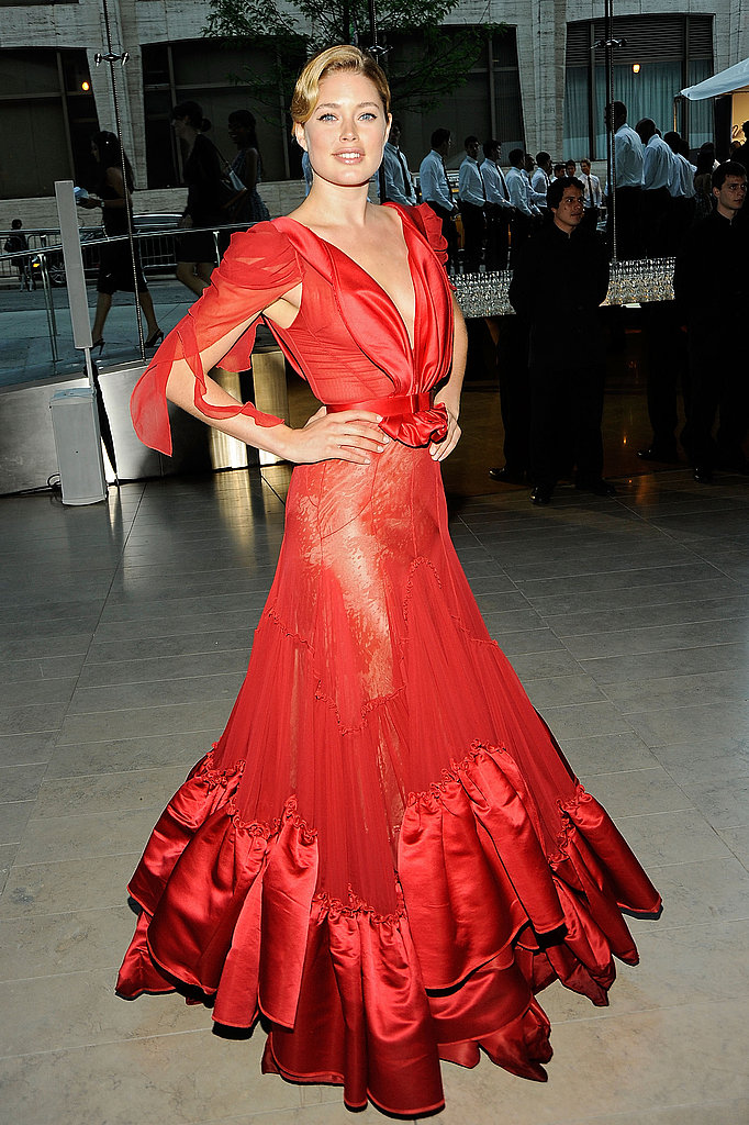 Doutzen Kroes in Zac Posen