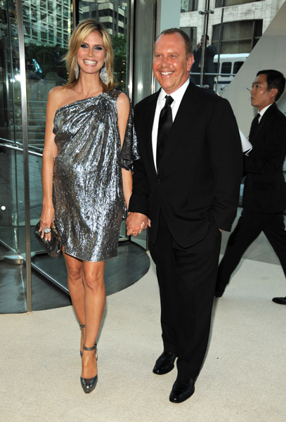 Heidi Klum in Michael Kors with the designer