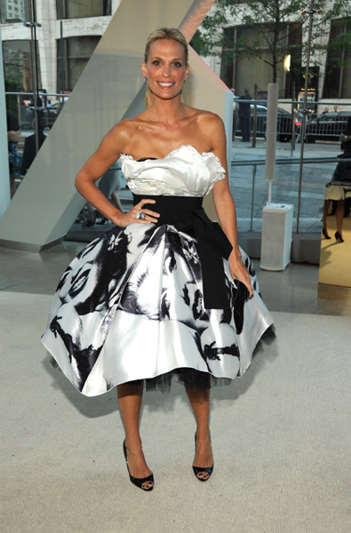Molly Sims in Dolce & Gabbana