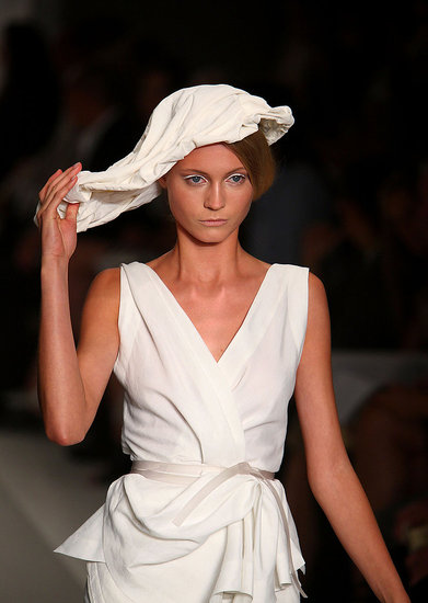Donna Karan Spring 2010: Natural, Neutral, and With a Side of Vivid Coral