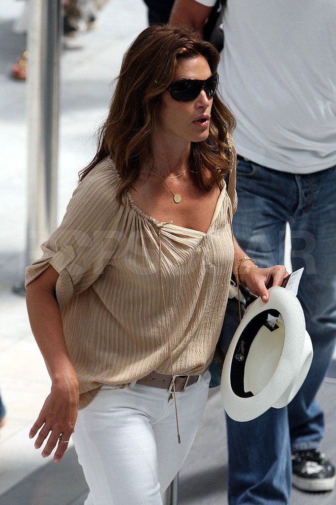 Photos of Cindy Crawford Heading for the Airport