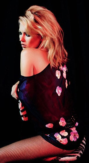 Kate Moss Holiday Collection for Topshop Now Available Online, Silk Kimono Already Sold Out