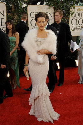 Kate Beckinsale Is Feminine in Lace in 2006