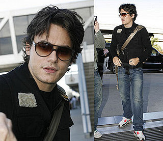 John Mayer at LAX 2008-01-29 11:30:00