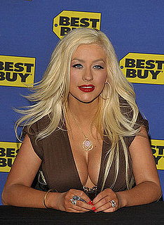 Christina Aguilera Flaunts Her New Stuff