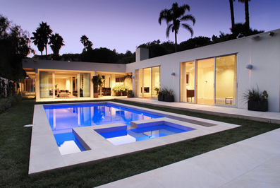 This Just In: Simon Cowell's Girlfriend Buys in LA