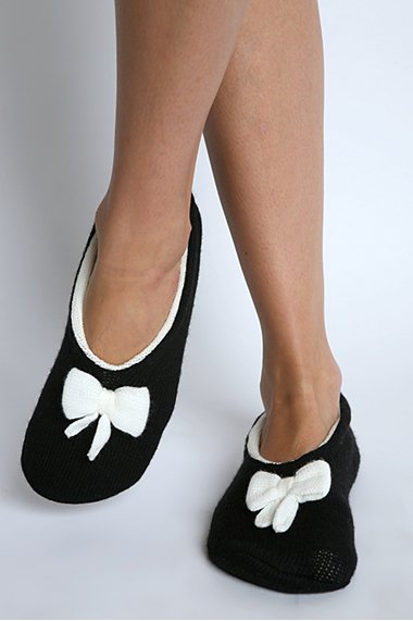 Cushy Bow Slipper Socks ($10)