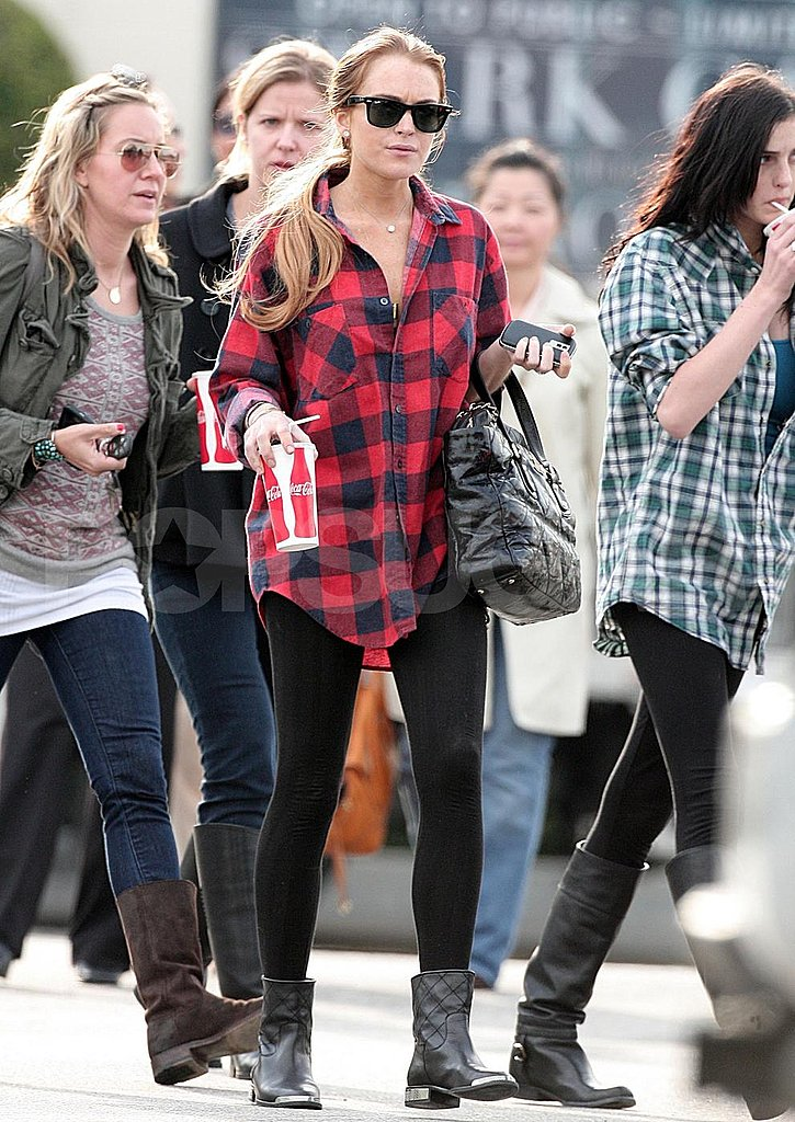 Lindsay Lohan Out For a Soda