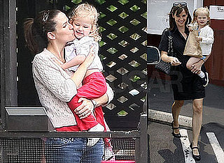 Photos of Jennifer Garner and Violet Affleck Feeding Ducks
