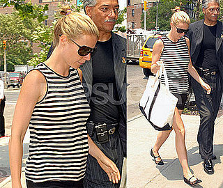 Photos of Gwyneth Paltrow in NYC 2008-07-08 17:00:31