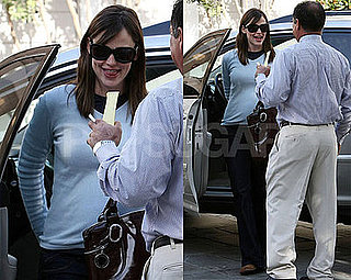 Photos of Jennifer Garner in LA 2008-11-21 05:00:00