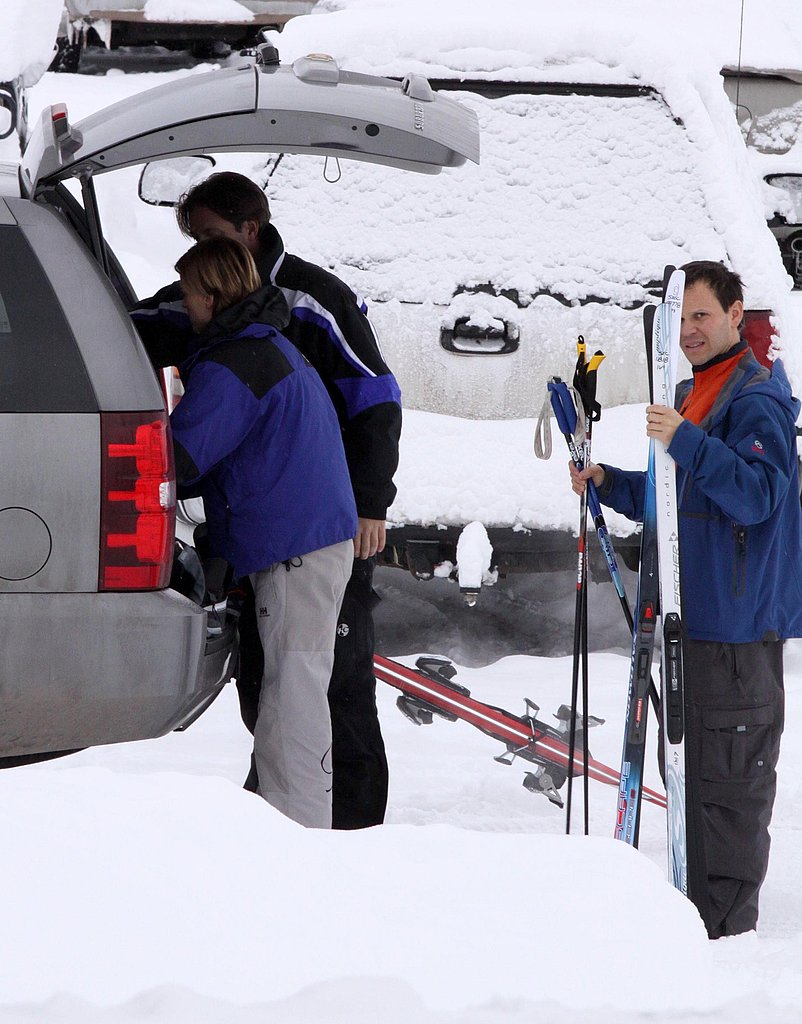 Hilary Swank Hits the Aspen Slopes