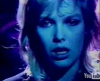 "Flashback: Kim Wilde Singing ""Kids in America"""