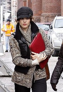 Rachel McAdams Carries a Red Laptop Sleeve