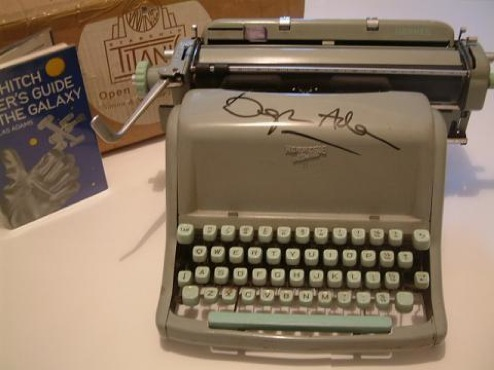 Daily Tech: Douglas Adams' Original Typewriter Goes on Sale