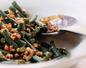 Stir-Fried Long Beans With Peanuts