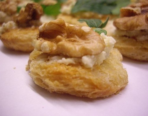 Holiday Appetizer: Roquefort and Walnut Canapes