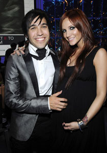 Ashlee Simpson Gives Birth to Bronx Mowgli Wentz