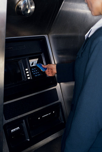 Money Tip: Stick to Bank ATMs For Safety