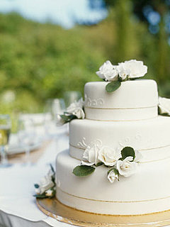 Renting Your Wedding Cake: Brilliant or Baffling?