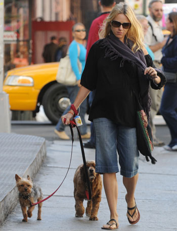 Naomi Watts Walks Her Dogs in Soho
