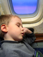 Lil Links: 8 Ways to Minimize Jet Lag in Children