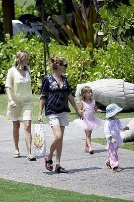 Julia Roberts Hung With Her Kids in Hawaii