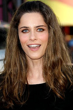 How-To: Amanda Peet's Hot Hot Hot Hancock Makeup