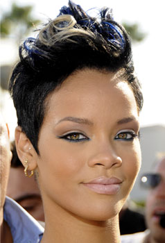 Rihanna at MTV VMAs:  Hair and Makeup