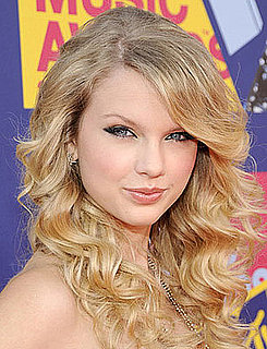 Taylor Swift at MTV VMAs: Hair and Makeup